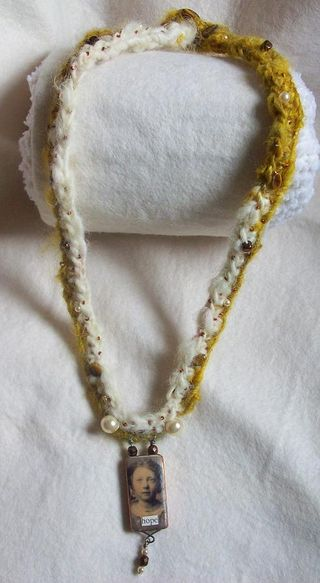 Crochetnecklace1