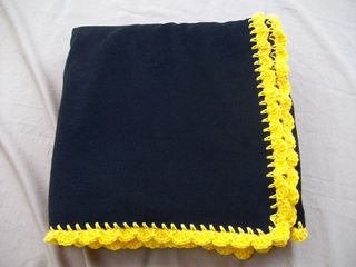 Blackandgoldthrow 005